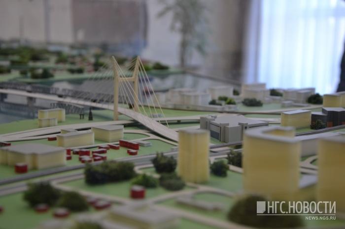 Въезд на новый мост со стороны Красного проспекта