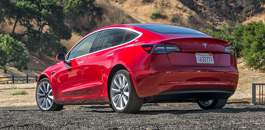 Tesla впервые проехала 1000 километров без подзарядки (фото)