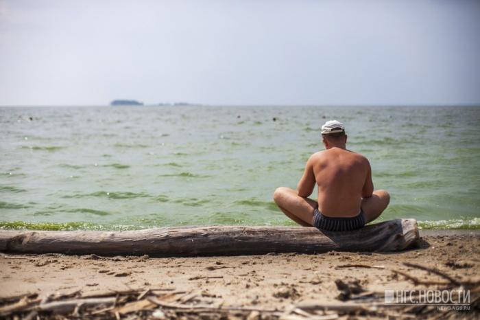 Спасатели часто рекомендуют новосибирцам не заплывать за буйки